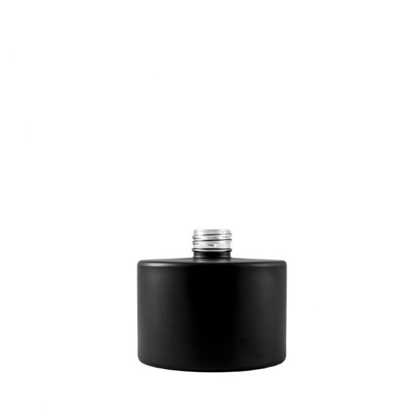Envase para mikados, pintado de negro,